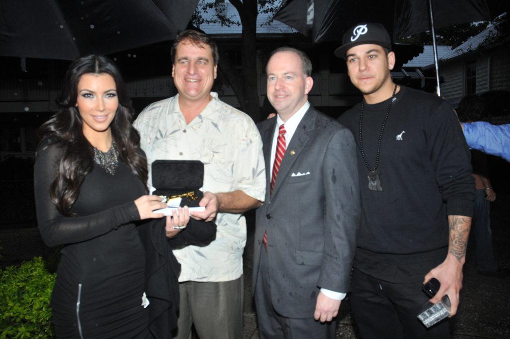 2009 GM Kim and Rob Kardashian