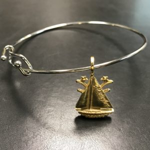 The Winterfest Boat Bracelet in Gold color